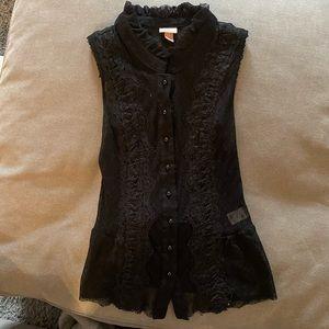 🍓 3/$10 Xhilaration Sleeveless Lace ButtonUp